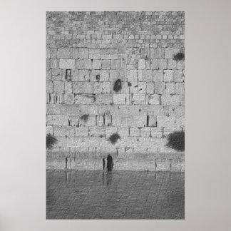 Un homme priant au mur occidental poster