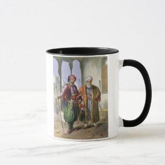 Un Janissary et un négociant au Caire, Tasses