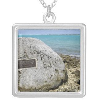 Un mémorial aux prisonniers de guerre sur l'île de pendentif carré