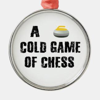 Un ornement de bordage de partie d'échecs froide