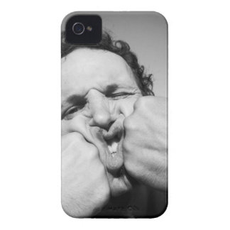 Un poing ... non! Deux. Coque Case-Mate iPhone 4