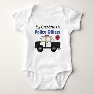 Un policier de la grand-maman body