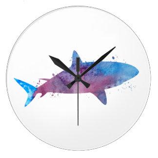 Un requin grande horloge ronde