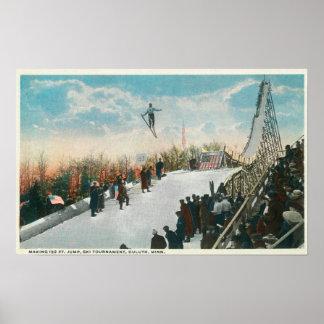 Un saut de tournoi de ski poster