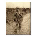 Un soldat de Tommy de Canadien couvert dans le ren Carte Postale