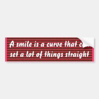 Un sourire est une courbe. autocollant de voiture