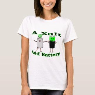 Un T-shirt de sel et de batterie