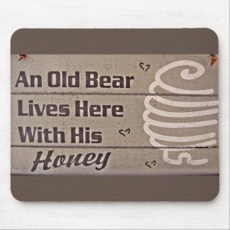 vieil ours tapis de souris et vieil ours tapis pour souris. Black Bedroom Furniture Sets. Home Design Ideas