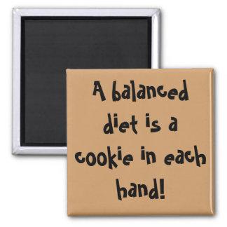 Une alimentation équilibrée est un biscuit dans ch magnet carré