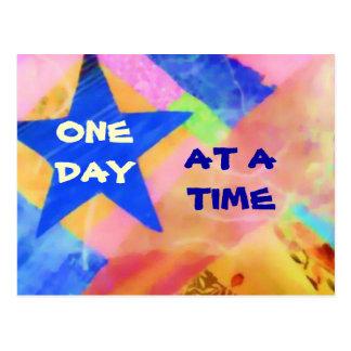 Une carte postale d'étoile bleue de jour à la fois