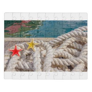 une corde pour amarrer des bateaux sur le puzzle