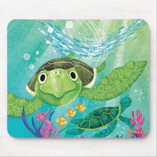 Une délivrance de tortue de mer tapis de souris