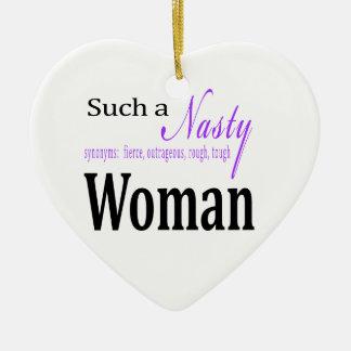 Une femme si méchante ornement cœur en céramique