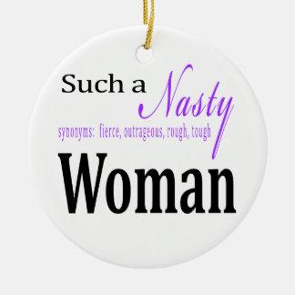 Une femme si méchante ornement rond en céramique