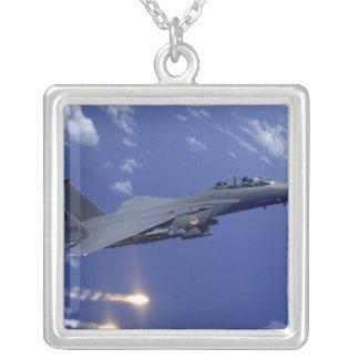 Une grève Eagle de l'Armée de l'Air F-15E Pendentif Carré