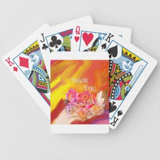 Une main complètement des mercis tend vers vous jeu de poker