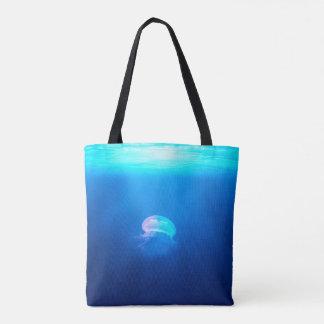 Une méduse sac
