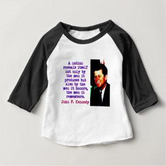 Une nation s'indique - John Kennedy T-shirt Pour Bébé