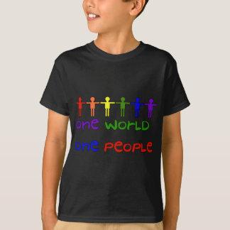 Une personnes t-shirt