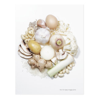 Une sélection des fruits et des légumes blancs carte postale