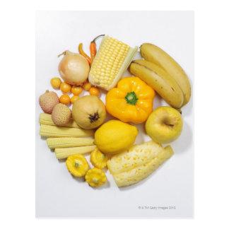 Une sélection des fruits et des légumes jaunes cartes postales