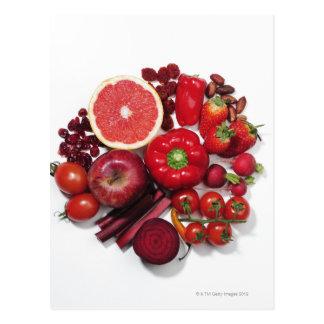 Une sélection des fruits et des légumes rouges carte postale