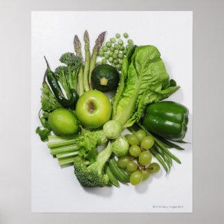 Une sélection des fruits et des légumes verts posters