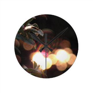 une tasse décorative, avec l'illustration dépeigna pendule