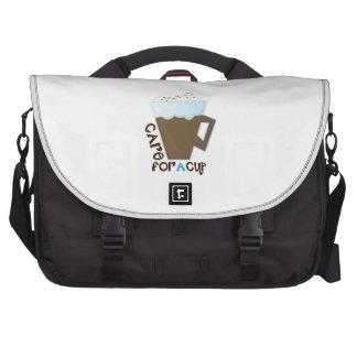 Une tasse sacs pour ordinateur portable