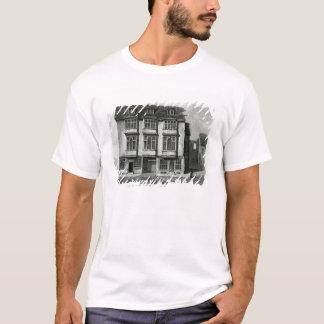 Une vue du sud de la taverne de faucon t-shirt