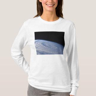 Une vue haut-oblique t-shirt