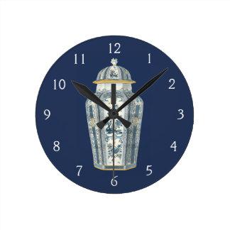 Urne asiatique décorative dans bleu et blanc horloge ronde