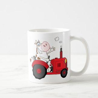 Vache à asile de fous sur le tracteur personnalisé mug blanc
