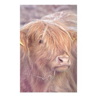 Vache des montagnes, bétail des montagnes papier à lettre customisable