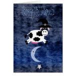 Vache mignonne sautée au-dessus de la lune Hallowe Carte De Vœux