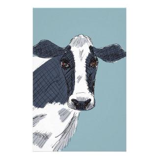 Vache peinte peu précise dans des tons bleus papier à lettre