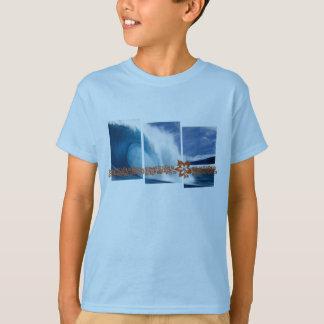 Vagues de canalisation surfant le graphique t-shirt