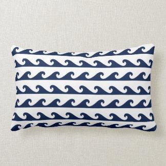 Vagues nautiques de bleu marine de coussin