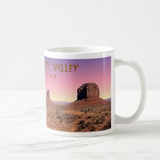 Vallée de monument mug