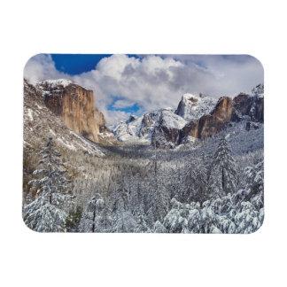 Vallée de Yosemite dans la neige Magnets Rectangulaire