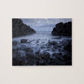 Vallée en pierre foncée puzzle