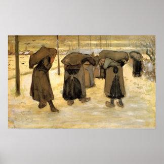 Van Gogh - les épouses des mineurs portant des sac Posters