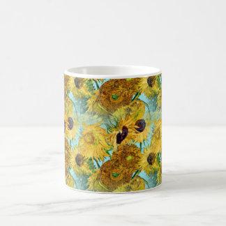 Vase avec douze tournesols par Vincent van Gogh Mug