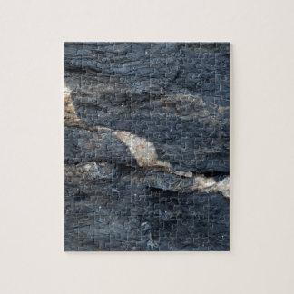 Veines de calcite en schistes noirs tectonized puzzle