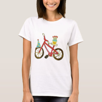 Vélo d'anniversaire avec le petit gâteau t-shirt