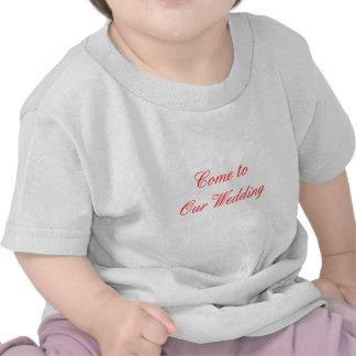 Venez à notre rouge de mariage les cadeaux de t-shirts
