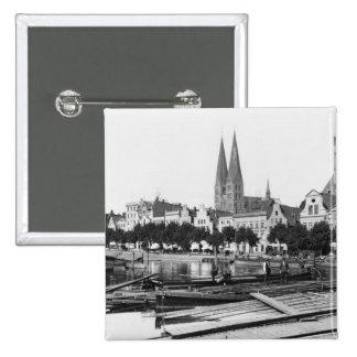 Vente du bois sur la rivière Trave, Lübeck, c.1910 Pin's