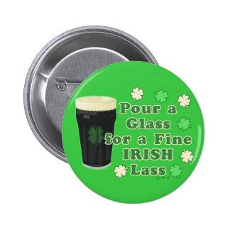 Verre de pinte du jour de St Patrick irlandais de Badge