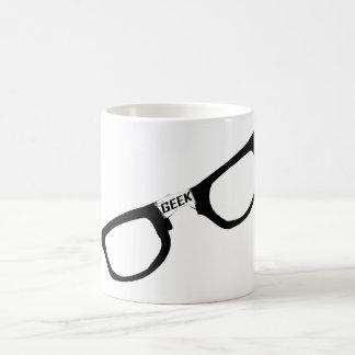 Verres de geek bordés par noir mug blanc