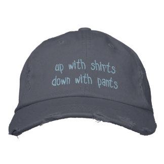 vers le haut de avec des chemises vers le bas avec casquette brodée